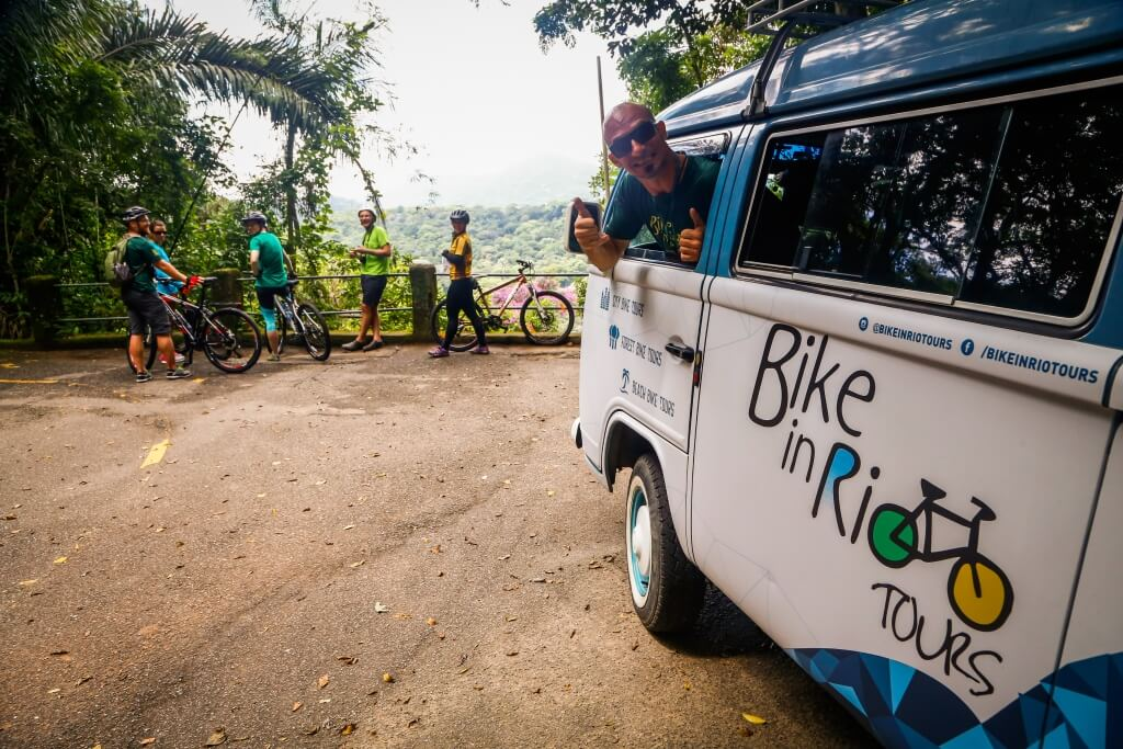 rio_jungle_bike_tour_support_vehicle_and_guide